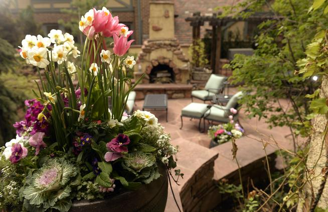 Outdoor Serenity: Add Life to Your Yard ( Denver Post )