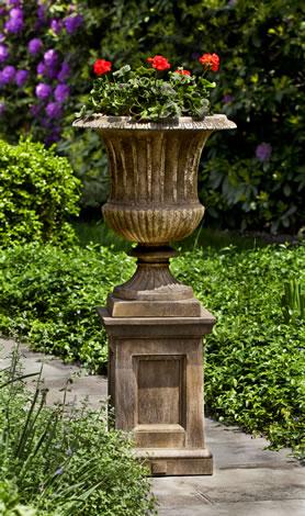 Smithsonian Classical Urn