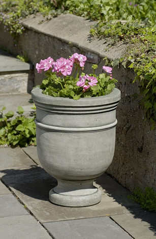 St. Remy Small Urn