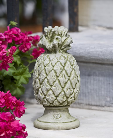 Williamsburg Pineapple Finial