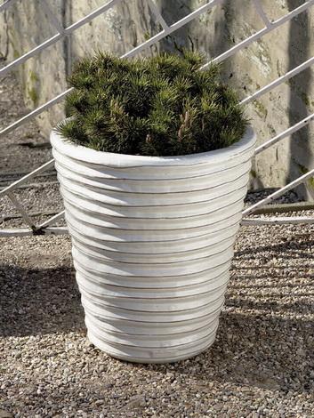 Round Ruffle Planter