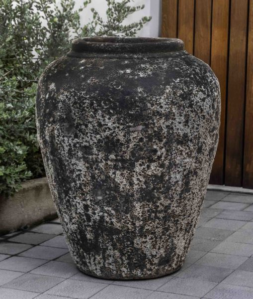Larissa Jar