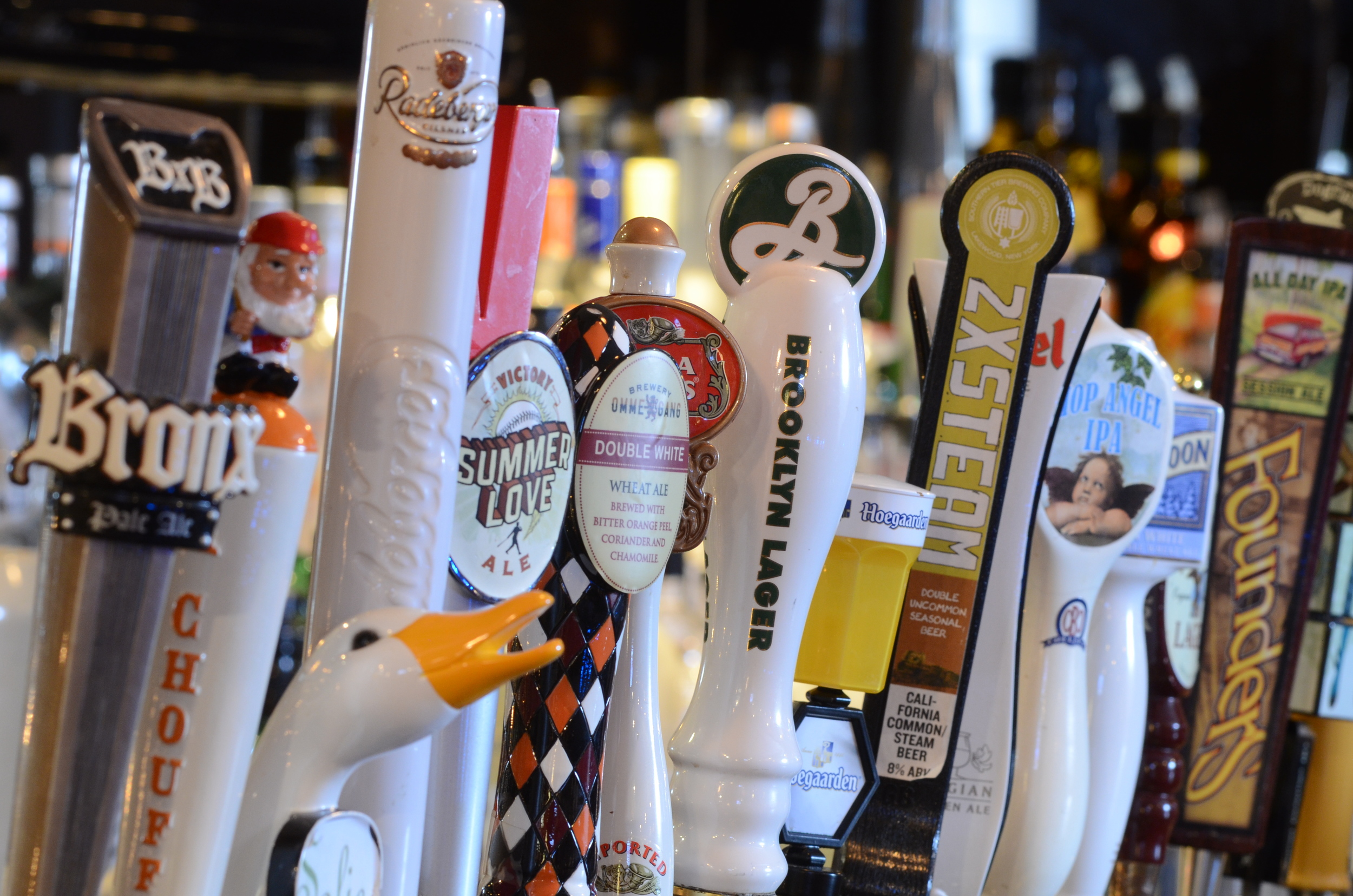 Rotating draft lines feature your favorite craft & seasonal brews!