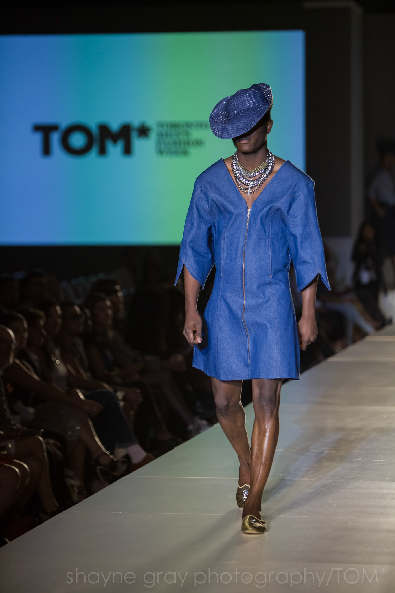 Shayne-Gray-Toronto-men's-fashion_week-TOM-l'uomo-strano-8626.jpg