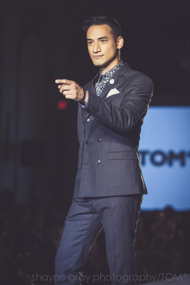 Carlos Bustamante, YTV host