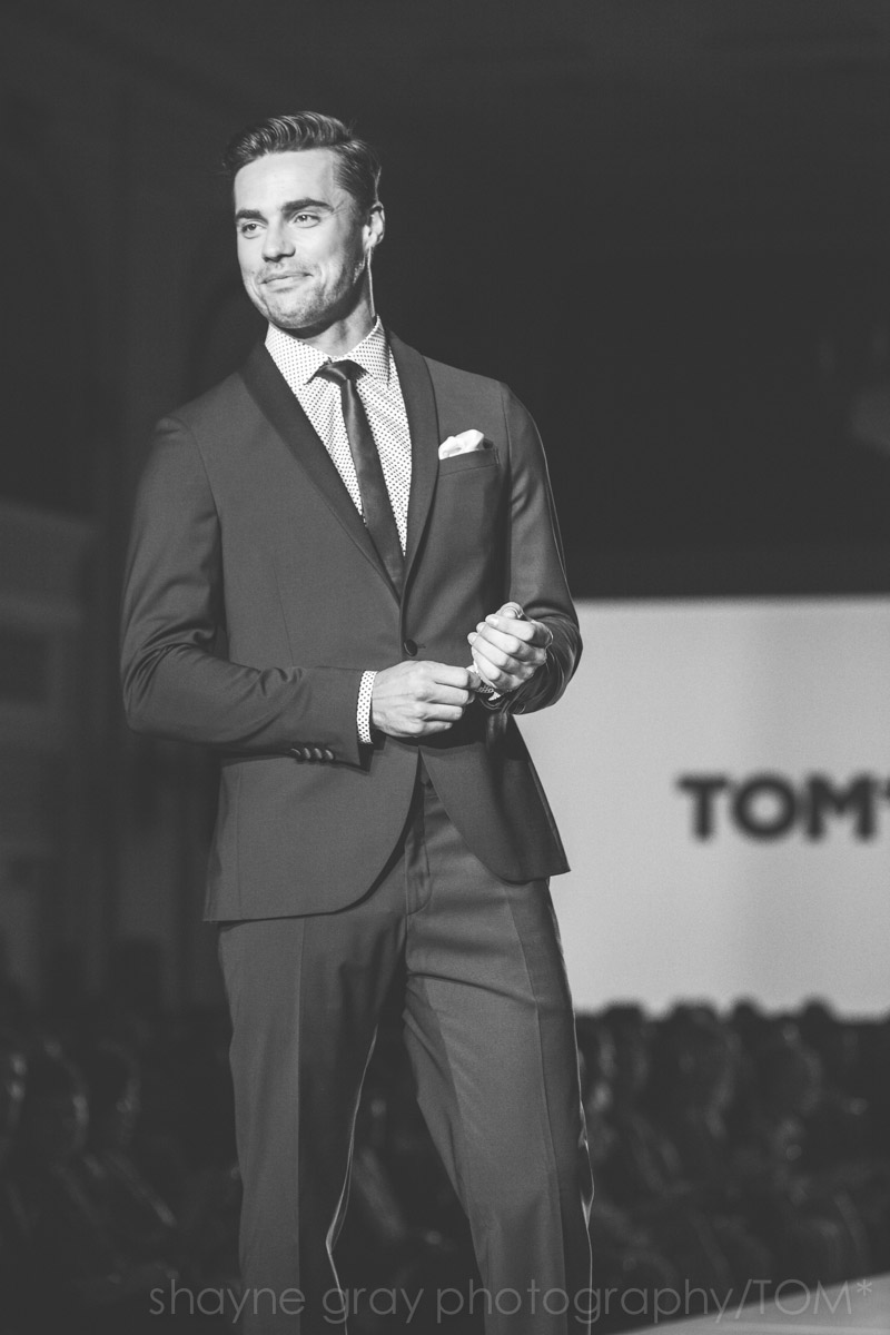 Shayne-Gray-Toronto-men's-fashion_week-TOM-tim-warmels-new-bachelor-8345