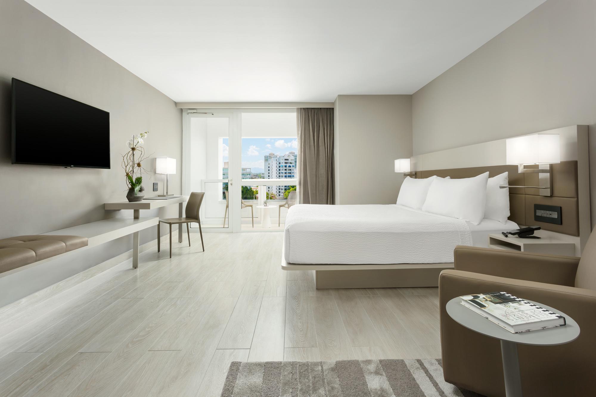AC-San-Juan-Guestroom-King-2..jpg