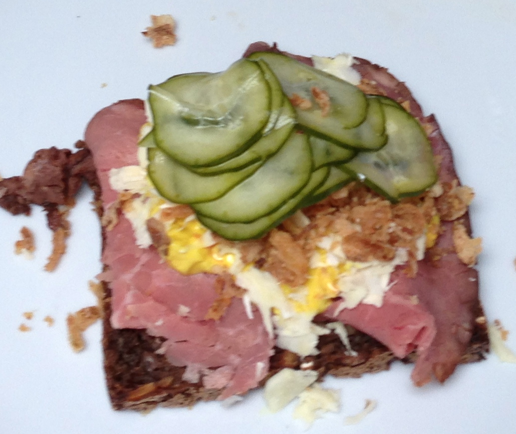 Open-faced sandwich with roast beef