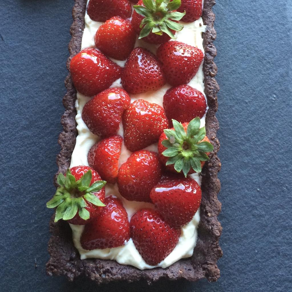 Strawberry Tart with Chocolate Crust