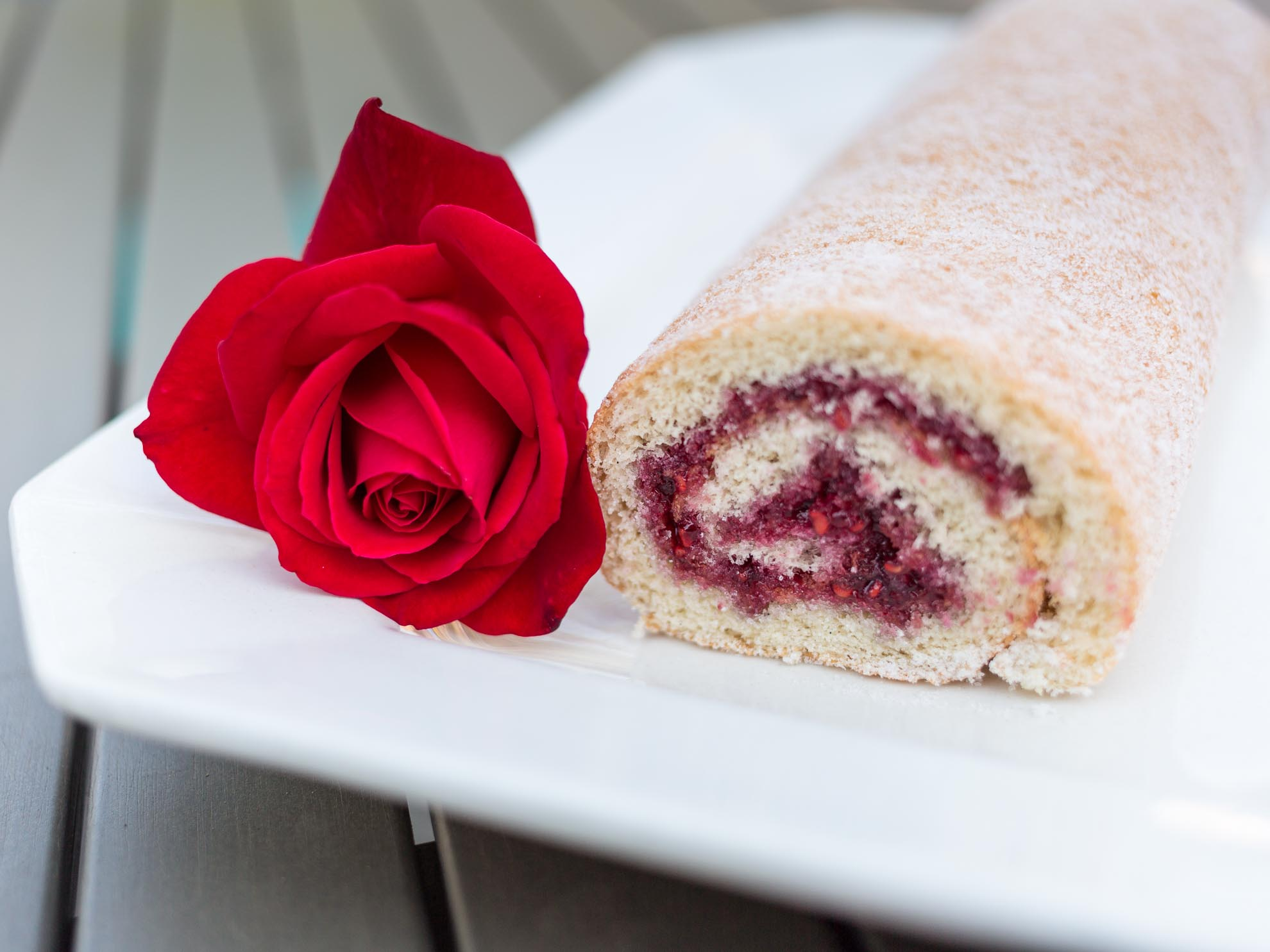 Raspberry Jelly Roll - Hindbærroulade