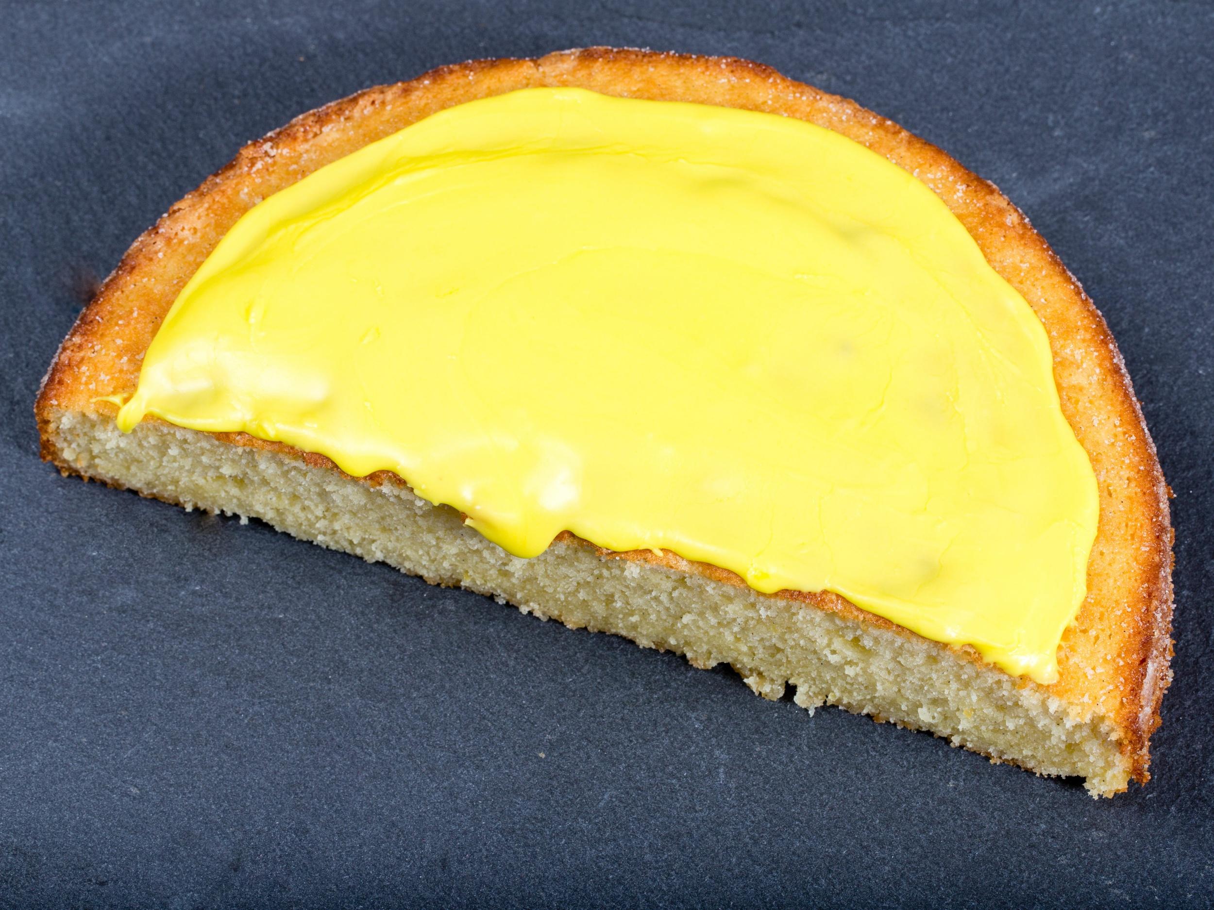 Citronmåne - Danish Lemon Cake
