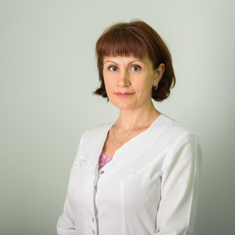 Коротких Светлана Леонидовна – рентген-лаборант, оператор МР-томографа.   Работает в центре «МРТ» с 2008 года. До этого работала в Алтайской краевой клинической больнице.
