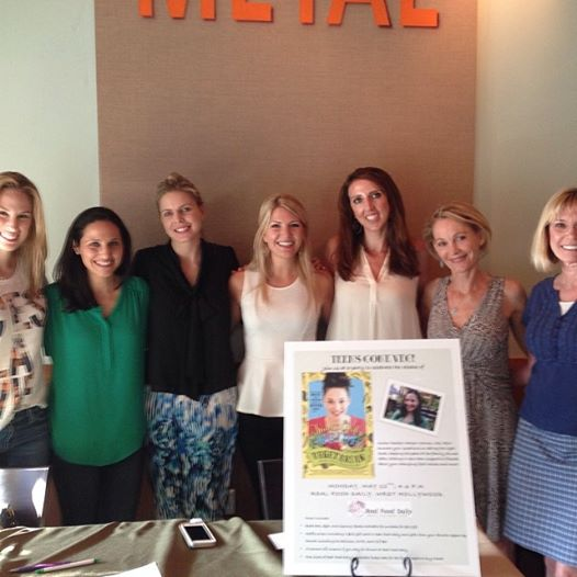 Some awesome California registered dietitian nutritionists who came out to celebrate, along with Smart Girl's Guide author Rachel Meltzer Warren and  Real Food Daily  founder and owner Ann Gentry (second from the right).