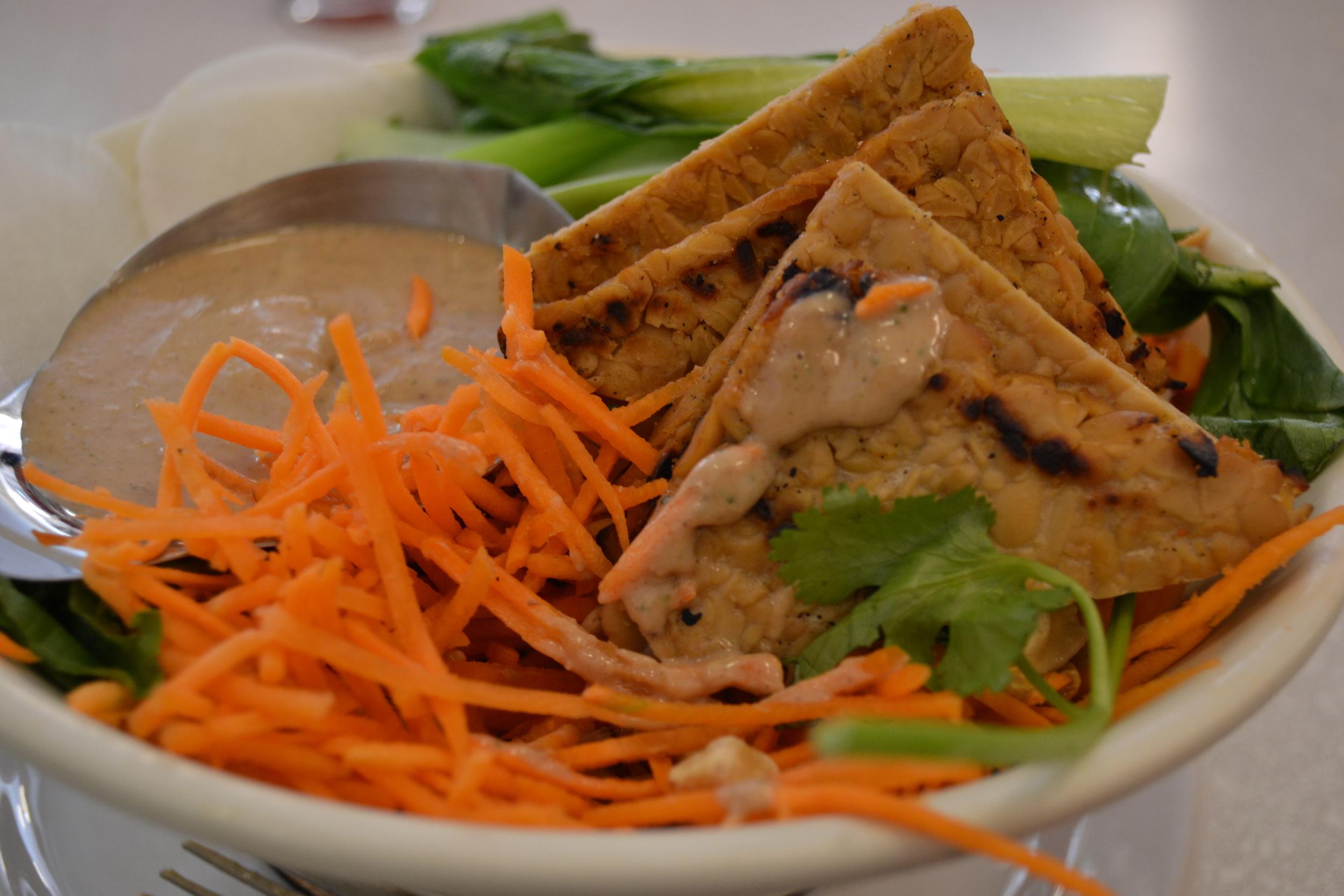 Thai rice bowl at Aux Vivres