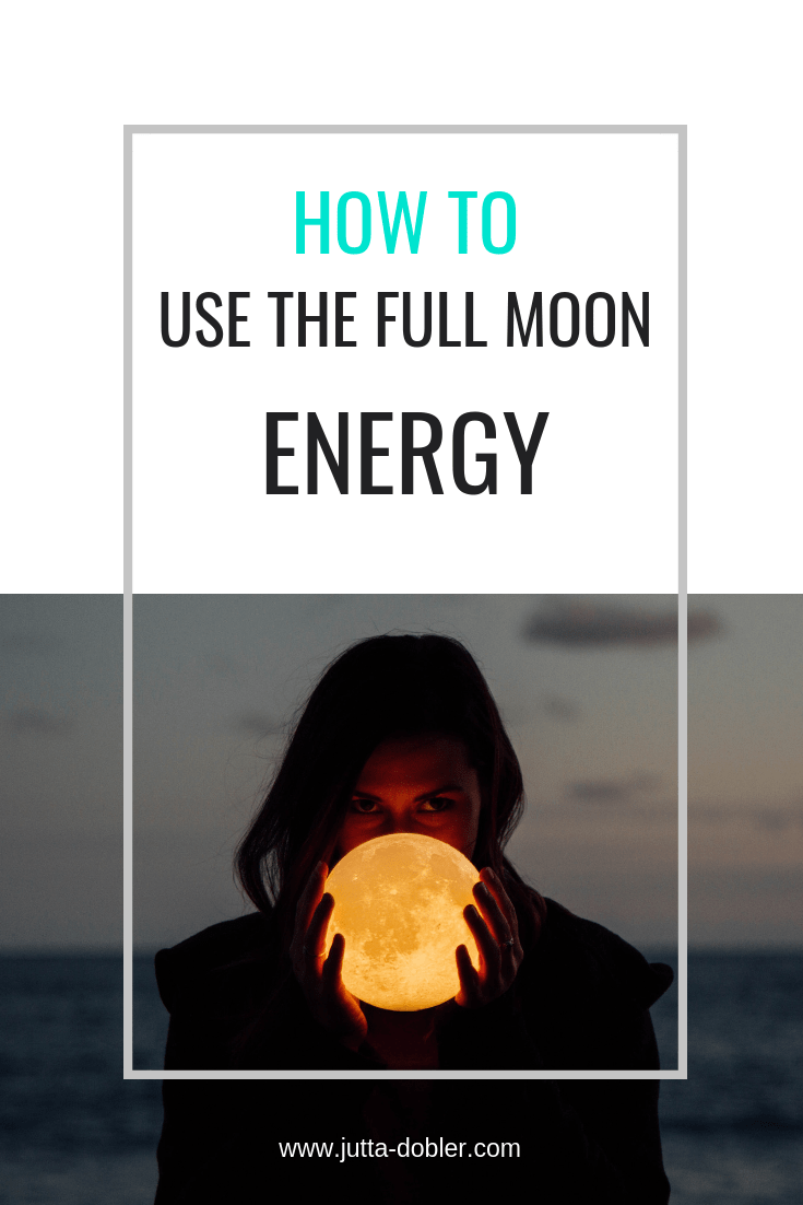 The start of the new year together with the full moon in cancer is a powerful time to de-clutter on all levels.   Watch what you allow into your mind, your body and your environment.   These tips can of course also be used when the moon isn't full :-):