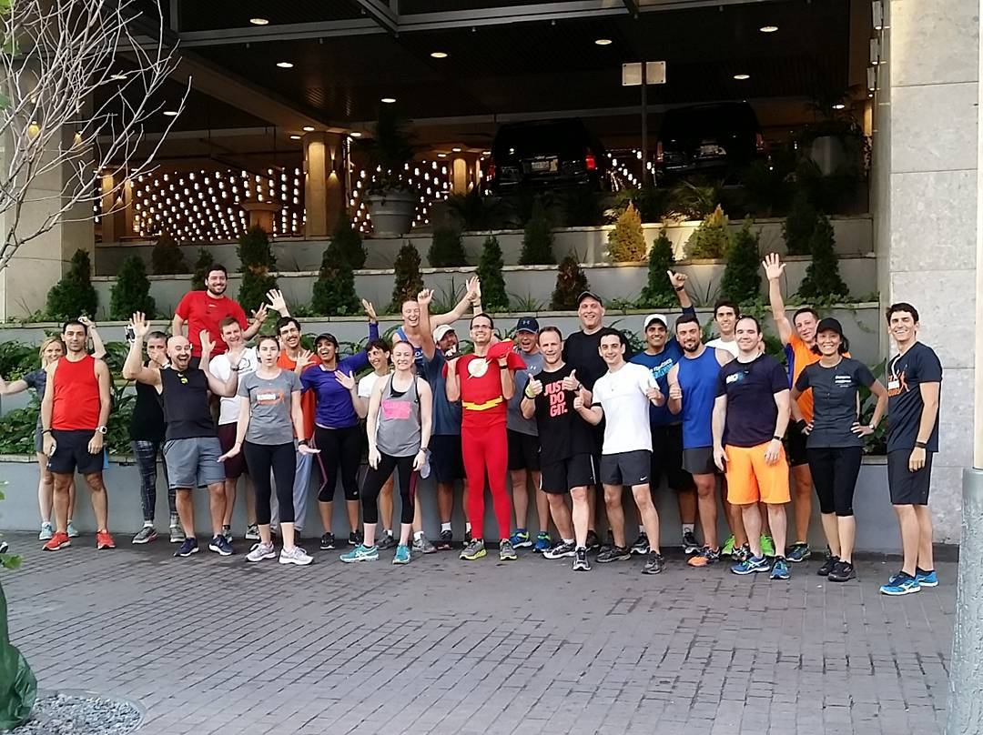ORGANIZE YOUR NEXT CORPORATE OR SOCIAL GROUP RUNNING TOUR IN TORONTO