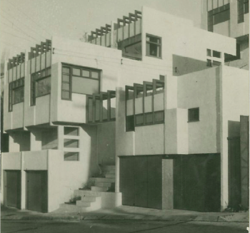 Manola Court Apartments, Rudolph Schindler, 1920