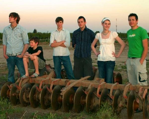 This is a fairly old picture of me and my brothers but it's one of the few that shows us all together. From left to right: Jeremy, Justin, Jared, Joel, Me and Jordan.