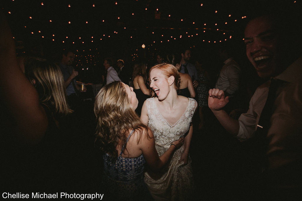Brooklyn_Wedding_Photographer_Greenpoint_Loft-1077.jpg