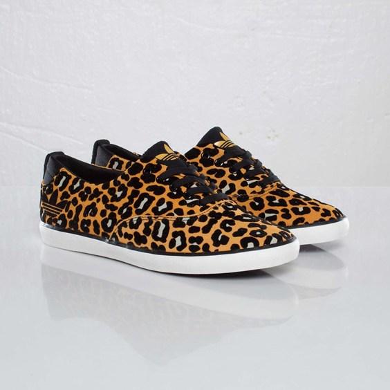 Adidas Originals Azurine Low.jpg