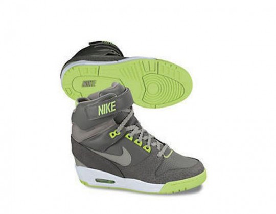 Nike Air Revolution Wedge 1.jpg