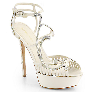 """Elegance to the max. This wedding shoe must be seen in all its glory. #Regal #elegant   Secure √ ::  Material √ :: 4"""" instep"""