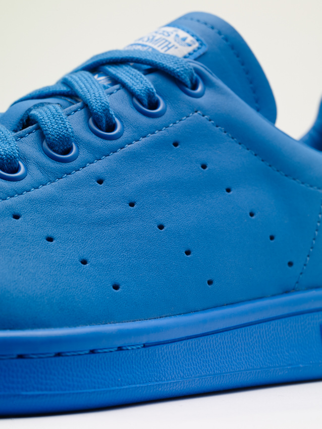 Pharrell Williams Stan Smith_B25386_detail_2.jpg