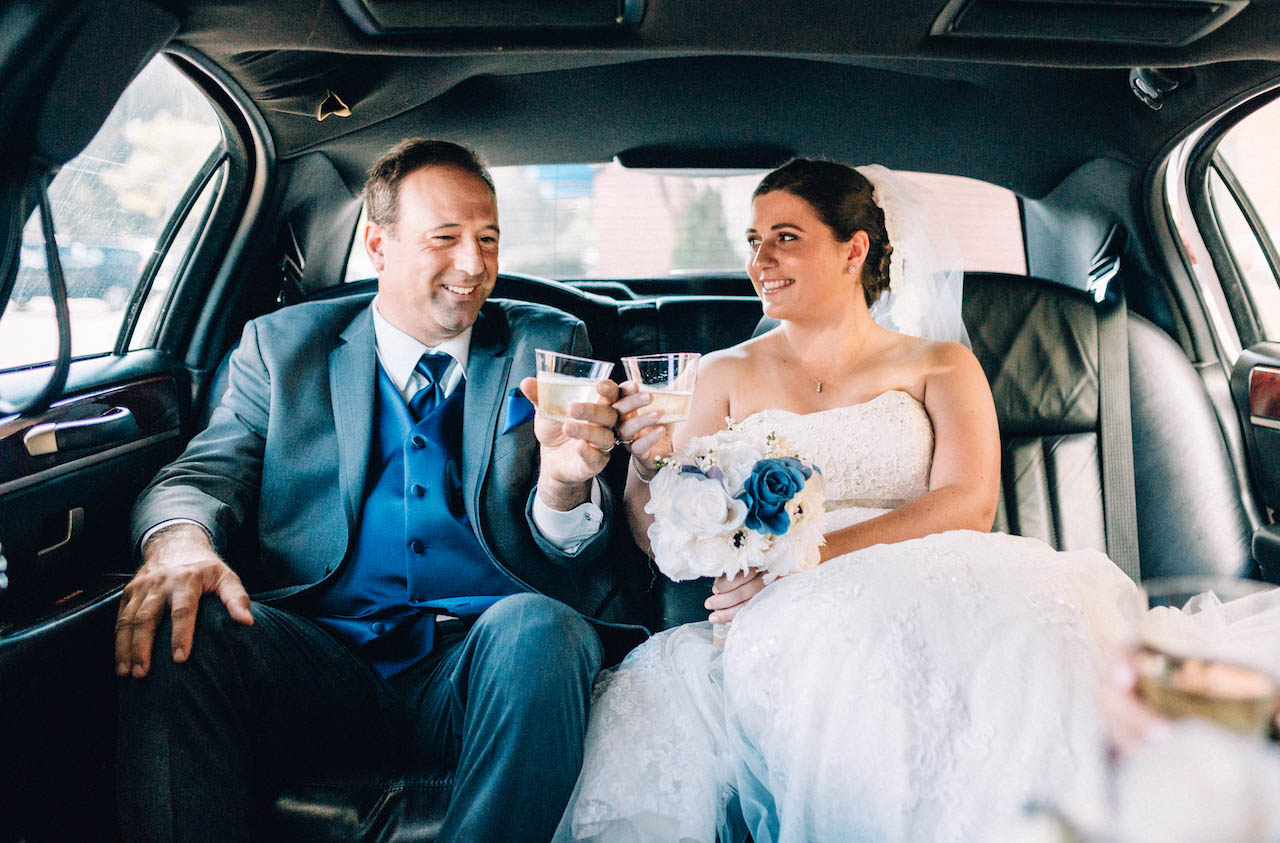 hartford-bride-with-father-in-limo.jpg