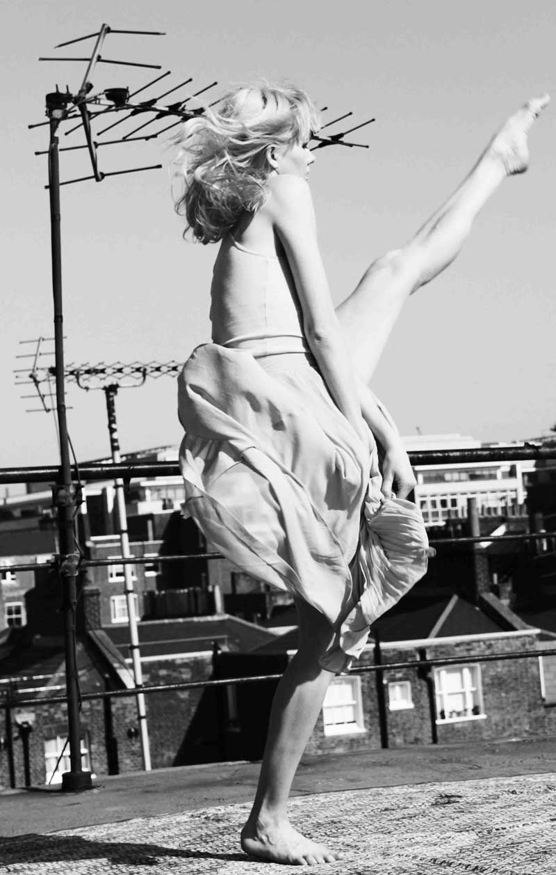 Dancers-by-Katarina-Dahlstrom-10.jpg