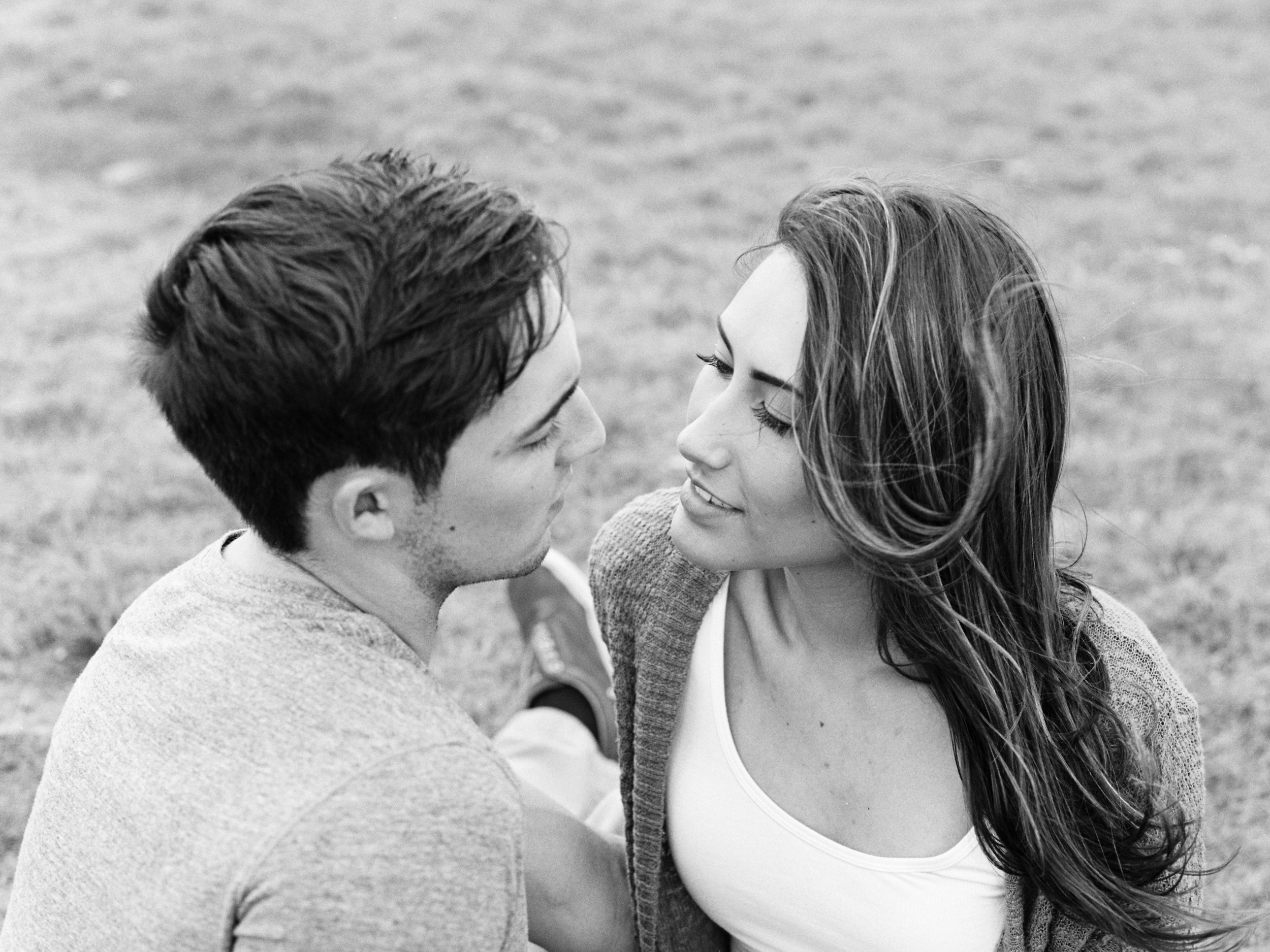 couples-kiss-photography-session-clovis-new-mexico