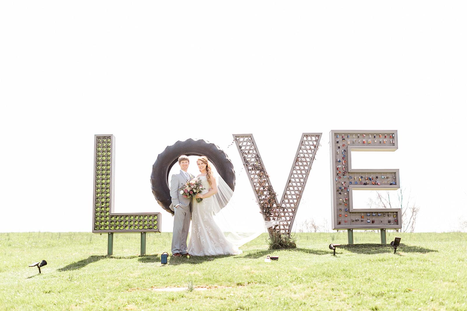 Lindsey _ Brandon Wedding-158.jpg