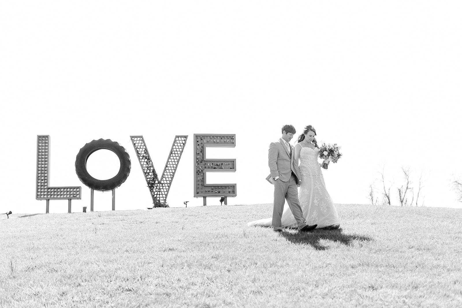 Lindsey _ Brandon Wedding-160.jpg