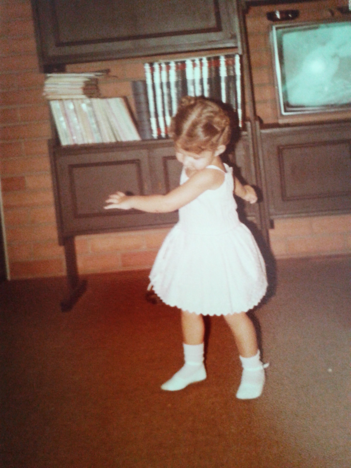 Dancing in front of TV when I was 3 (Personal archive photo)