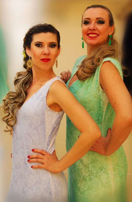 My friend Patrícia (on the right), who introduced me to flamenco. (Personal archive photo.)