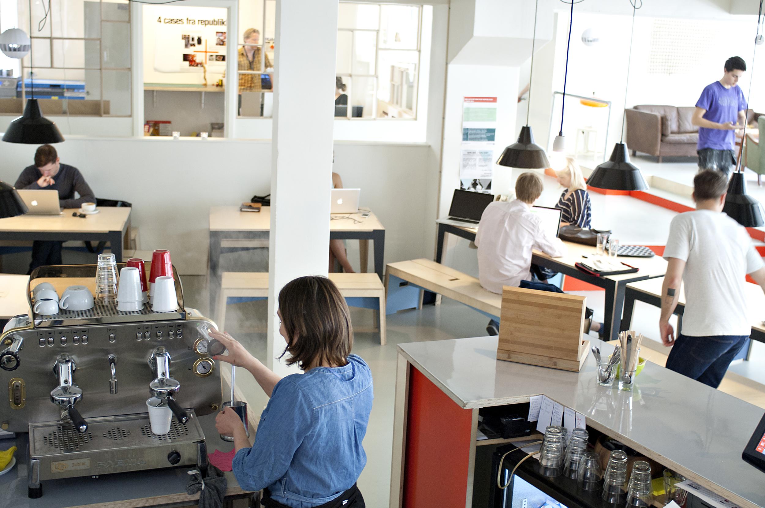 Cafeen 7.jpg