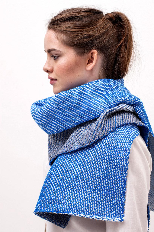 anouk-van-der-laan-winter-in-holland-gradients-wool-cotton-designboom-06.jpg