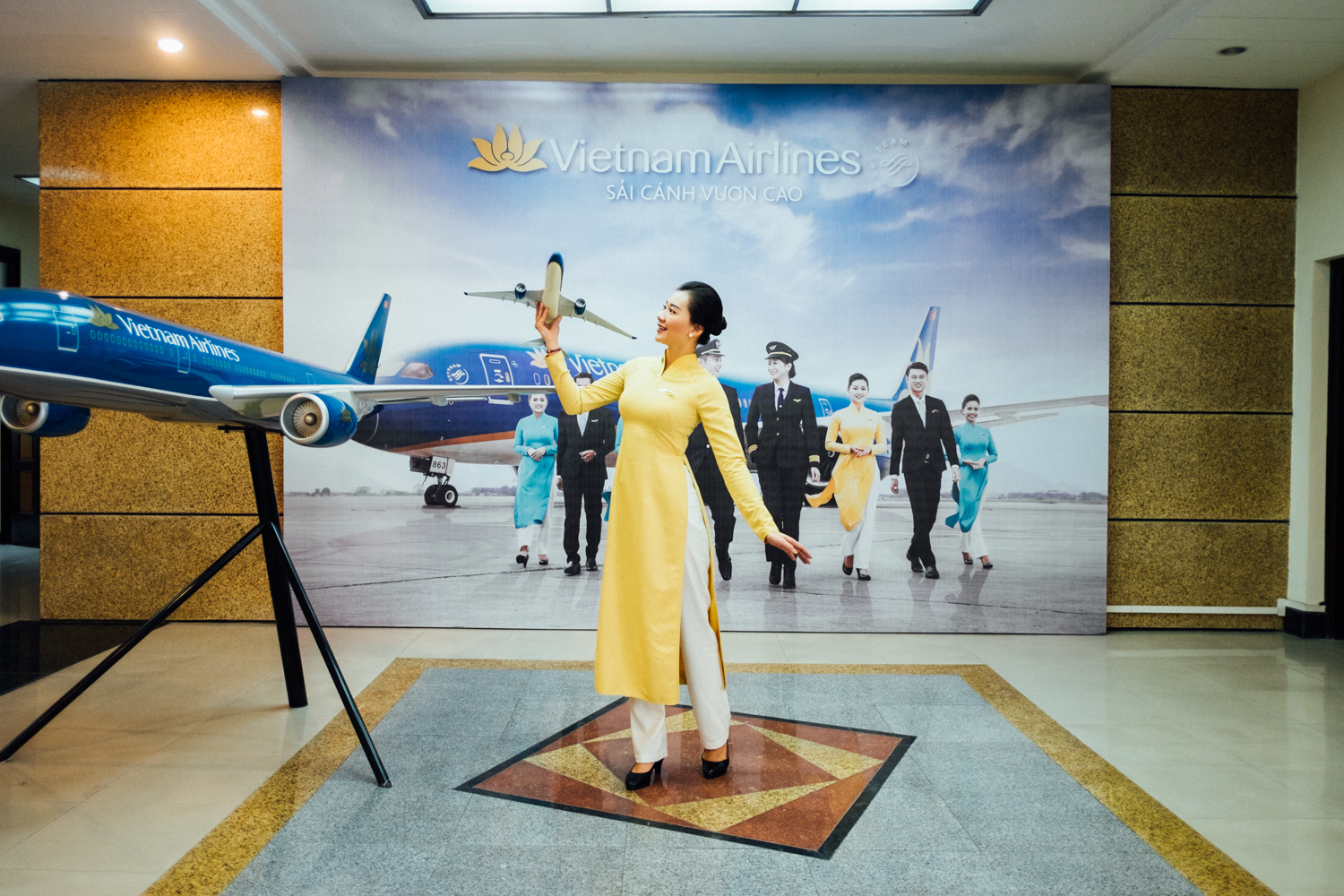Monocle Magazine October 2016 A look into Vietnam Airlines