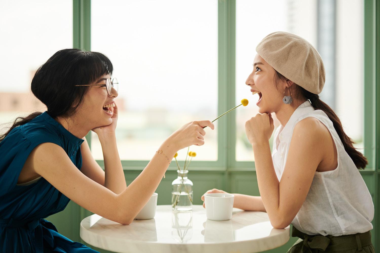 IS-AP-WW-180511-Friends_at_Cafe_Taipei_Setup_02_Lee_000669-usage=comping.jpg