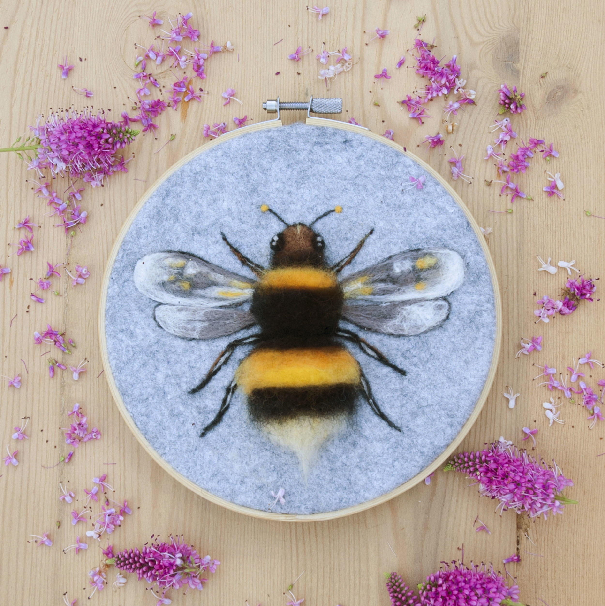 NEEDLEFELTED BUMBLE BEE 2.jpg