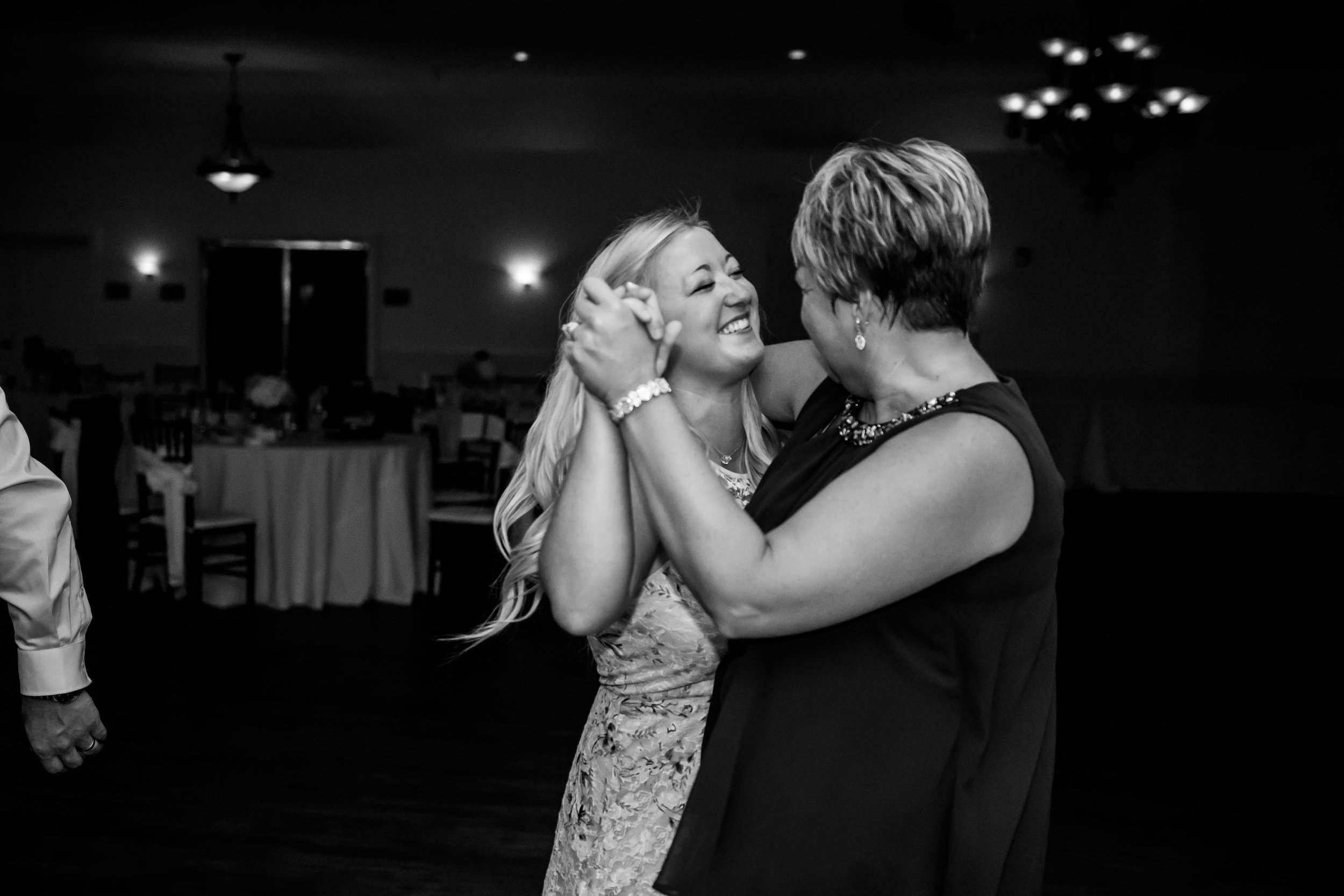 Wedding_Photography_White-1210.jpg