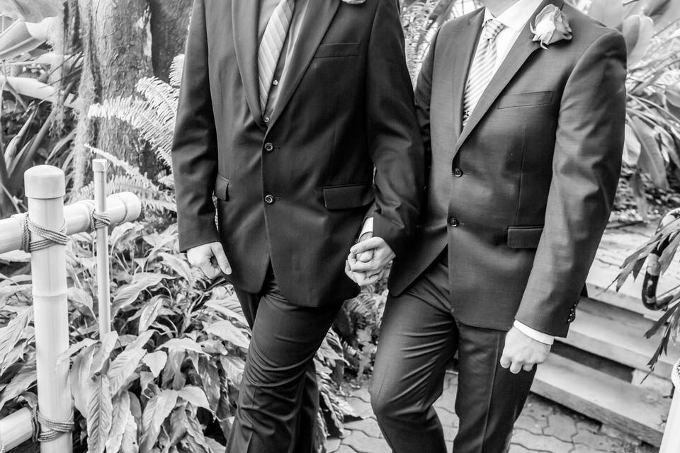 2946Fort Wayne-Wedding-Botanical Garden-LGBTQ.JPG