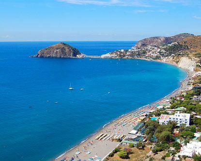 75f6fb2e859efd8e0f9842fc140f744c--positano-beach-larger.jpg