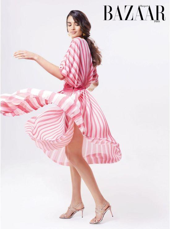 Julia Harpers Bazaar1 Sized.jpg