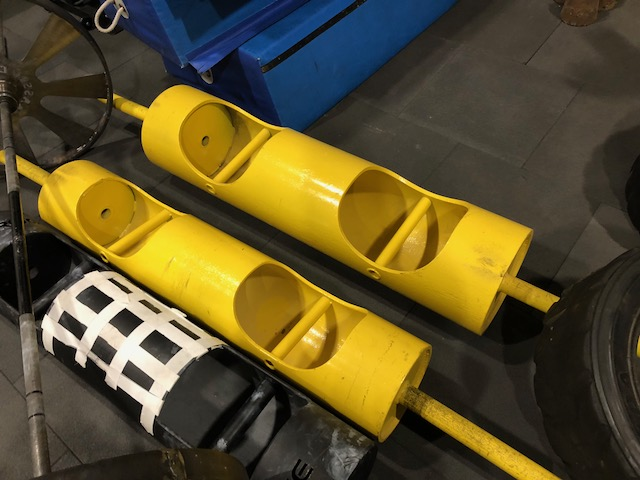 Strong(wo)manutrustning   För dig som är nyfiken på att prova Strong(wo)man, så har vi ett bra startutbud.  Atlasstenar - 30kg, 45kg, 65kg, 79kg, 97kg  Stockar - 30kg, 74kg, 110kg Apollon - 7.5kg, 15kg Liten Husafell - 30kg  Däck - 100kg, 175kg, 240kg Farmers - 7,5kg st Frame (trapbar) - 36kg Ok - 40kg Slädar  Det finns även harness och rep för tex arm over arm.