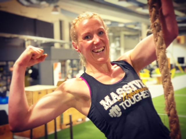 """OCR och Toughest-träning   Möjligheterna att bygga hinderbana eller träna delmoment för OCR är bra hos oss. Det fungerar också mycket bra att träna på riggen!  2st grova rep, ca 6m  Är du anmäld till Toughest 2019? Du som tävlar för """"Team Massive Performance"""" får kostnadsfria Toughest-träningspass!"""