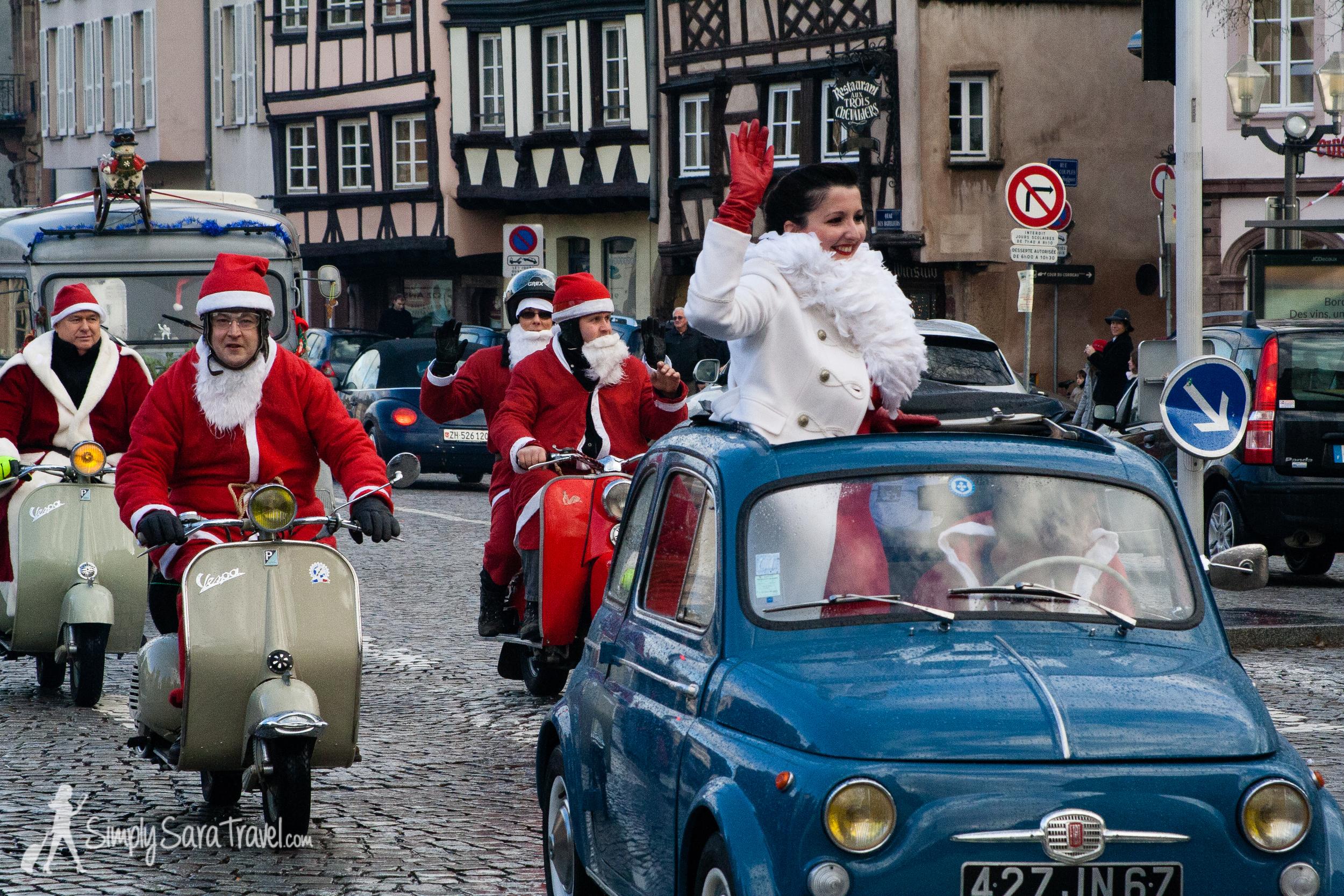 So many Santas in Stra
