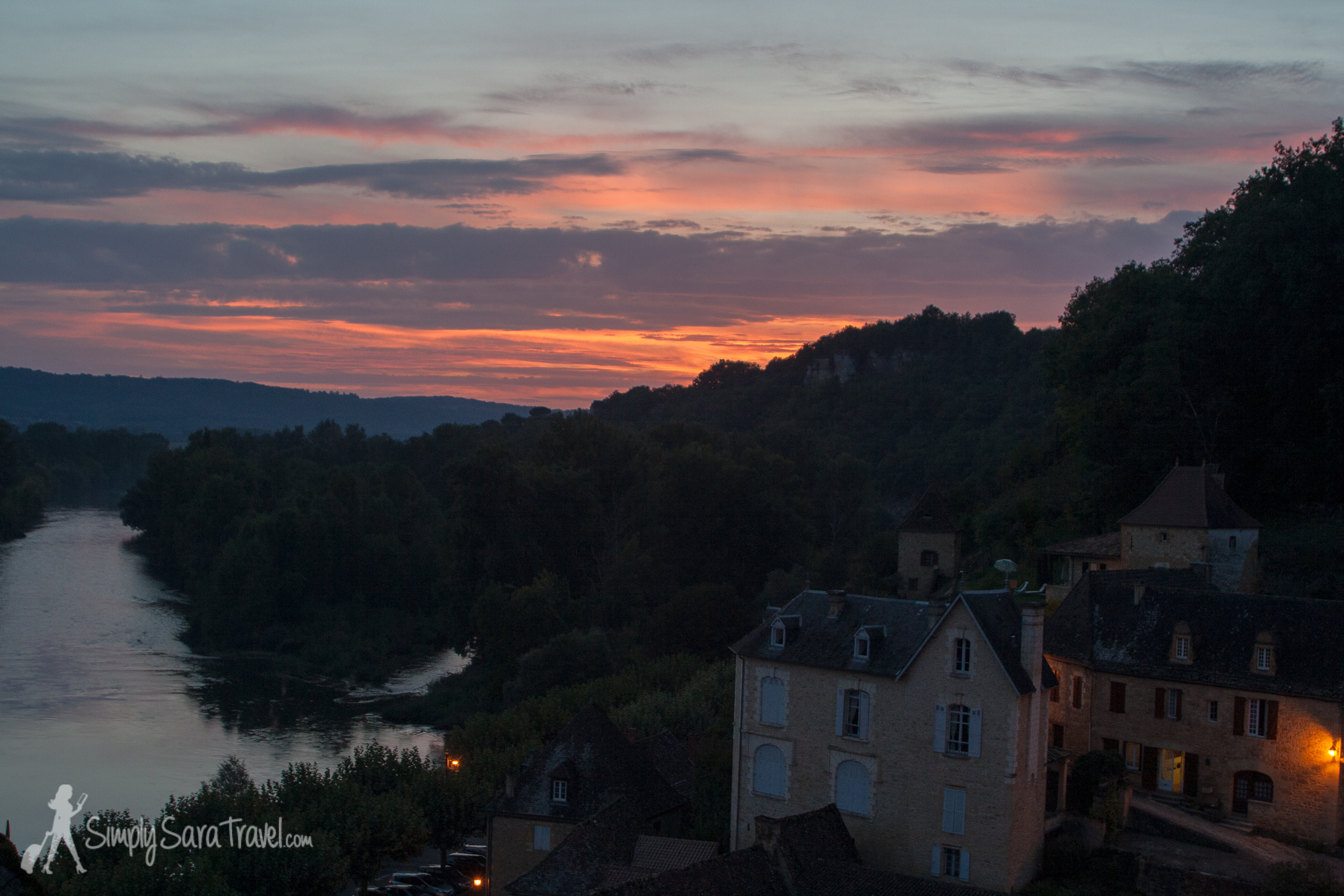 I stepped out of the house to find this sunset over the Dordogne river!