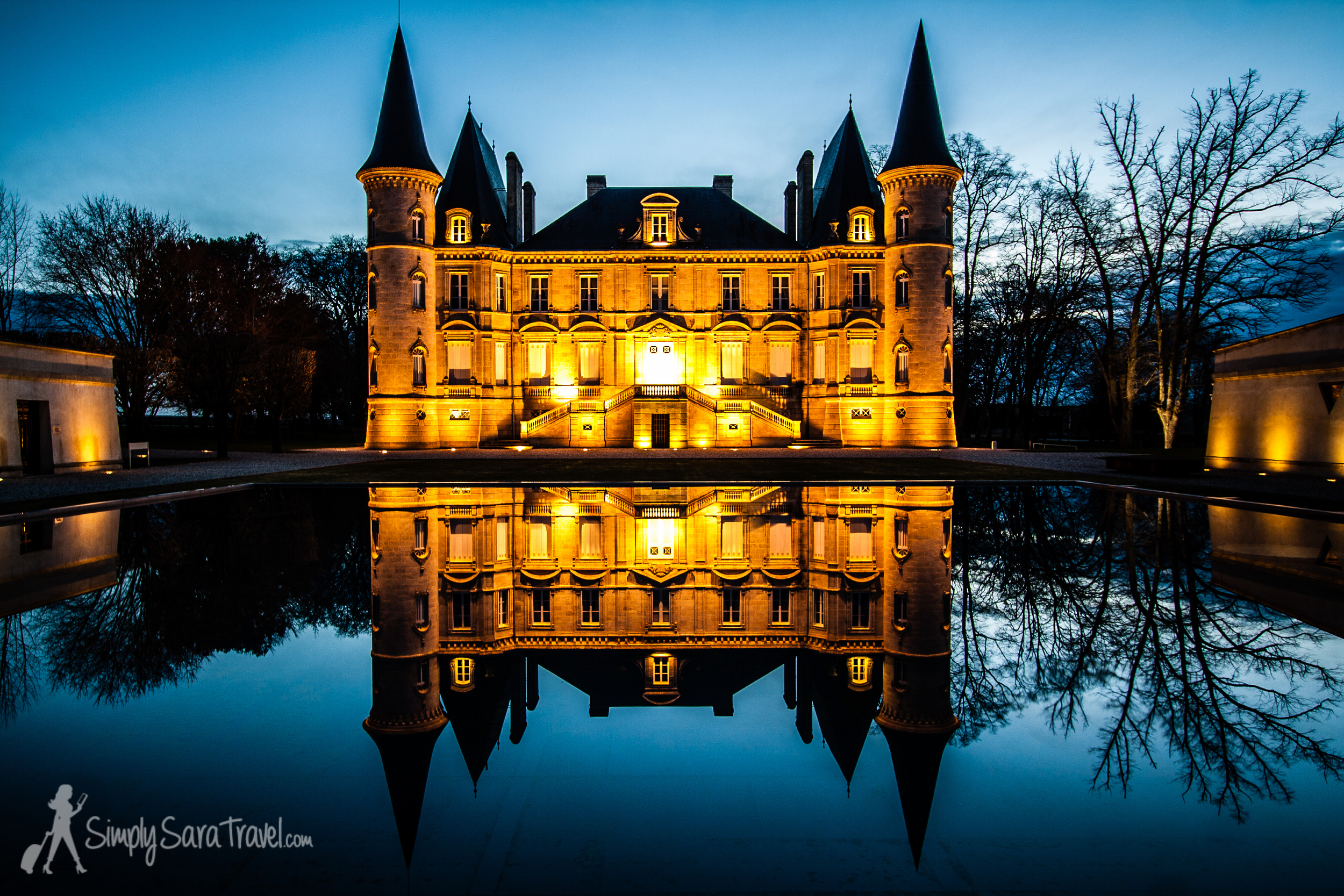 Château Pichon Longueville  lit up at night, one of the most beautiful châteaus on La Route des Châteaux (D2) north of Bordeaux (March 2013)