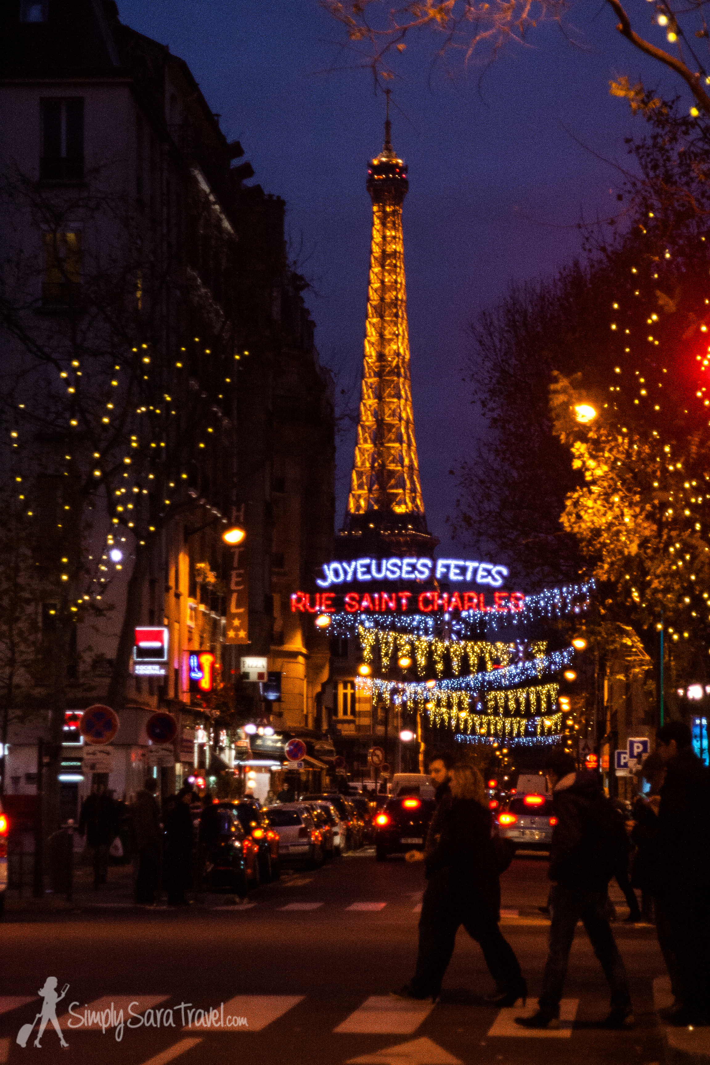 Over 125 streets and squares are lit throughout Paris and are delightful to discover while strolling at night.