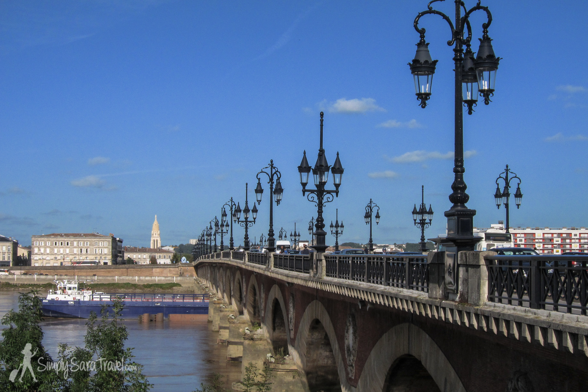One of the memorable architectural features of Bordeaux, the Pont de Pierre